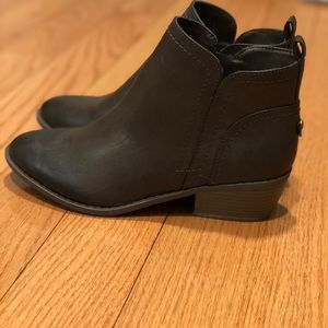 Brown leather guess booties